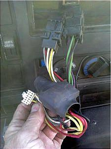 international truck radio example of pansonic harness plugged into the bt00128 truck harness here you would want to remove the panasonic plug and plug into the mate for the bt00128